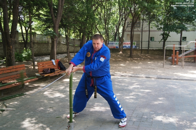 Korean sword bamboo cutting, haedong gumdo,